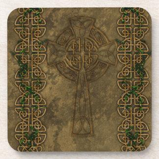 Cruz céltica y nudos célticos posavaso