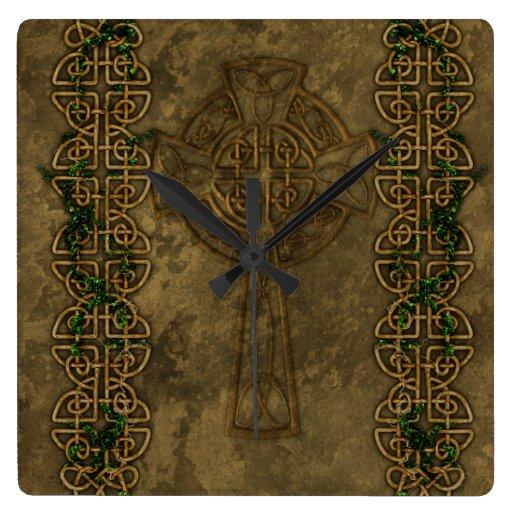 Cruz céltica y nudos cruzados reloj de pared