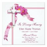 Cruz color de rosa rosada en monumento cariñoso de invitación