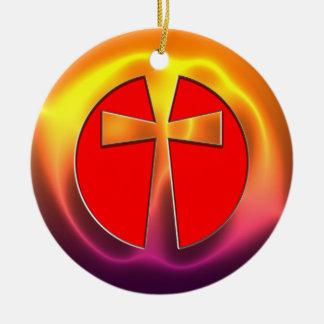Cruz con mirada metálica adorno navideño redondo de cerámica