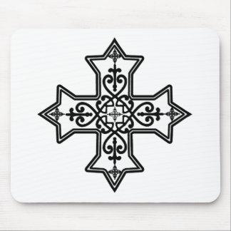 Cruz copta blanco y negro tapetes de ratón