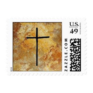 Cruz cortada áspera en piedra timbres postales