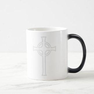 Cruz cristiana céltica blanca taza mágica