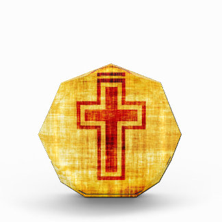 Cruz cristiana de la fe en el papel de pergamino