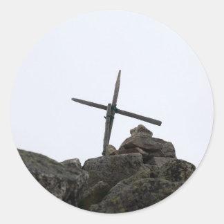 Cruz de la cumbre pegatina redonda