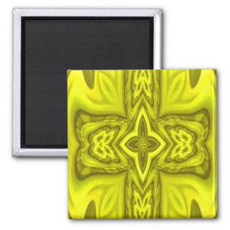 Cruz de madera abstracta amarilla imán cuadrado