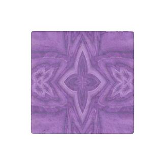Cruz de madera abstracta púrpura imán de piedra