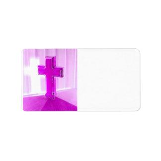 Cruz de madera, versión púrpura, iglesia de la fot etiquetas de dirección