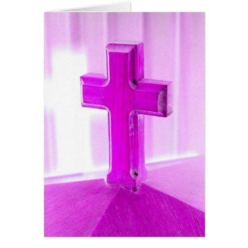 Cruz de madera, versión púrpura, iglesia de la fot tarjetón