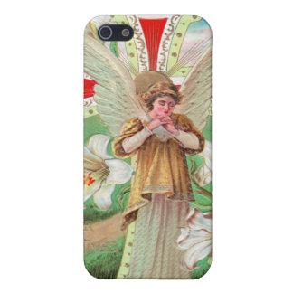 Cruz de rogación del ángel y lirios blancos iPhone 5 cárcasa