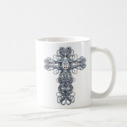 Cruz del alambre con la medalla milagrosa taza clásica