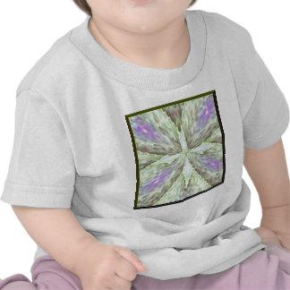 Cruz del cordón con los corazones de la luz camiseta