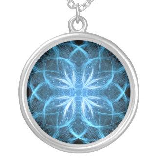 Cruz del hielo - collar del fractal
