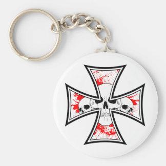 Cruz del hierro con los cráneos llaveros personalizados