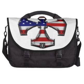 Cruz del hierro de la bandera americana bolsas de portátil