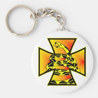 Cruz del hierro de la serpiente de Gadsden Llavero