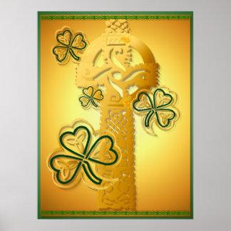 Cruz del oro y poster de los tréboles