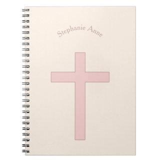 Cruz del rosa en colores pastel de la comunión spiral notebooks