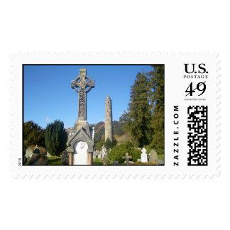 Cruz del St. Kevin y la torre redonda Timbres Postales