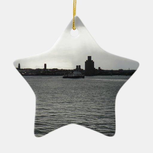 Cruz del transbordador el Mersey Adorno Navideño De Cerámica En Forma De Estrella