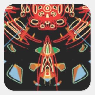 Cruz del vitral en negro, rojo y oro pegatina cuadrada