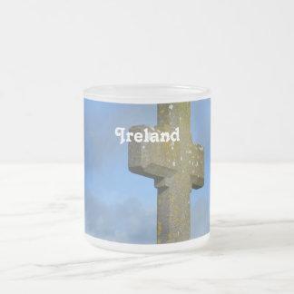 Cruz en Irlanda Tazas De Café