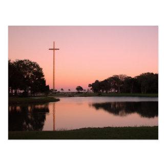 Cruz en Nombe de Dios en la puesta del sol Tarjeta Postal