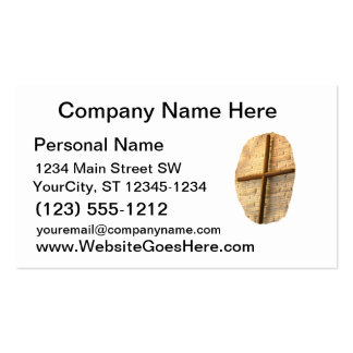 Cruz fina de madera en la pared blanca de la igles plantilla de tarjeta de negocio