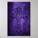 Cruz gótica de piedra tallada en púrpura impresiones