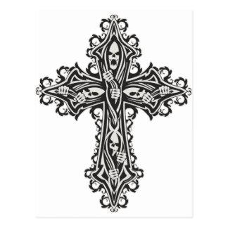 Cruz gótica del cráneo postal