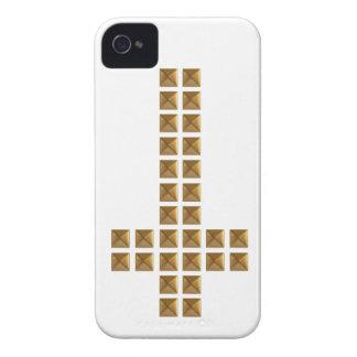 Cruz invertida tachonada oro funda para iPhone 4