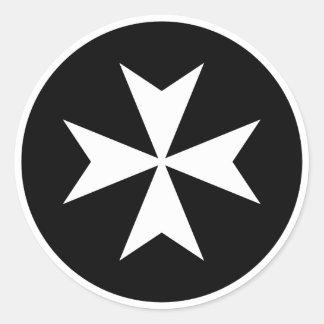 Cruz maltesa blanca pegatina redonda