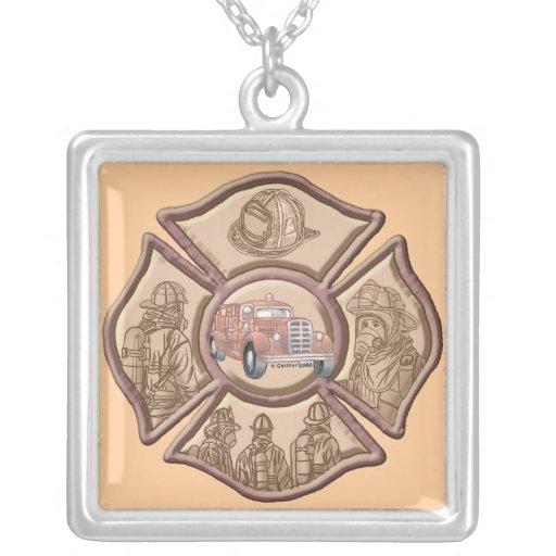 Cruz maltesa del bombero colgante cuadrado