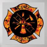 Cruz maltesa llameante del rescate del fuego poster