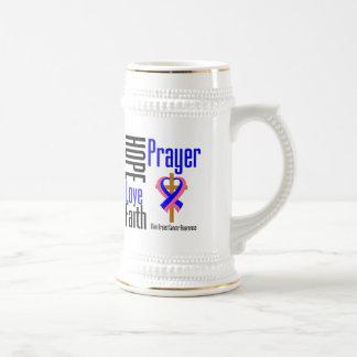 Cruz masculina del rezo de la fe del amor de la es tazas