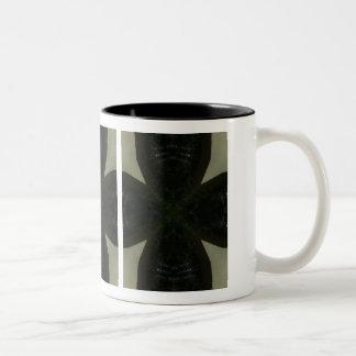 Cruz negra maciza en verde claro taza de dos tonos
