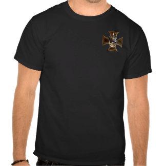 Cruz prusiana del hierro del cráneo w camisetas