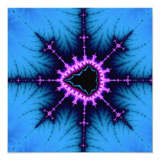 Cruz púrpura de Mandelbrot de la lavanda en azul Arte Con Fotos