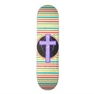 Cruz púrpura; Rayas brillantes del arco iris Patines Personalizados