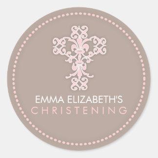 Cruz religiosa elegante de la celebración en rosa etiqueta redonda