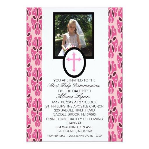 Cruz rosada con la invitación de la comunión de la