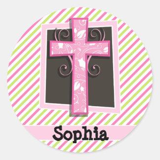 Cruz rosada en rayas del rosa y de la verde lima pegatina redonda