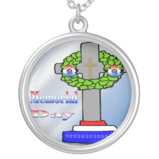 Cruz y guirnalda - collar del Memorial Day