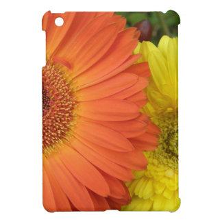 Crysanthemum anaranjado y amarillo iPad mini cárcasas