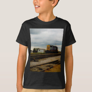 CSX Railroad Dieesel Yard Engine Toledo, OH T-Shirt
