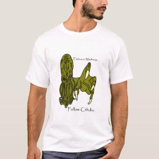 Cthulhu Embrace Madness Men's T-shirt