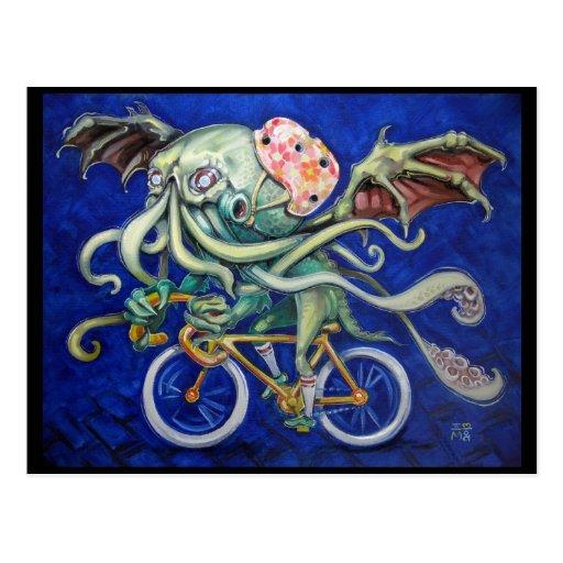 Cthulhu en una bicicleta postal