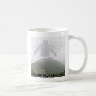Cthulhu walks the great wall of China Coffee Mugs