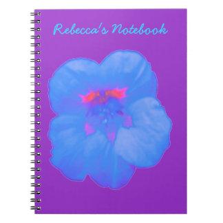 Cuaderno adaptable azul brillante de la capuchina