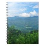 Cuaderno ahumado de las montañas
